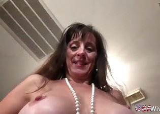 Big-bottomed MILF is playing with her crack